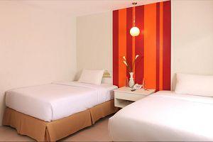 ESCARIO CENTRAL HOTEL Orange room