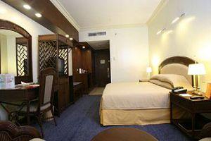 WATERFRONT HOTEL AND CASINO CEBU superior room